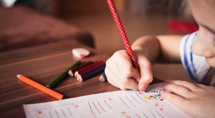 Garatuja e o desenvolvimento infantil